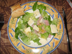 Salat mit Brie