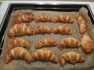 26 Gebackene Croissants
