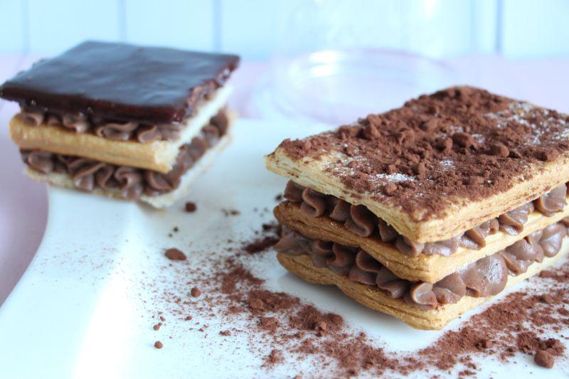 Millefeuille au chocolat mit Kakaopulver und Schoko-Glasur
