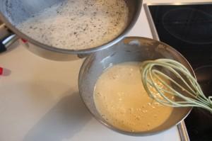 Milch und Eiermischung mischen