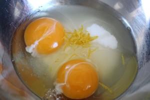 Eier Zucker Saft mischen