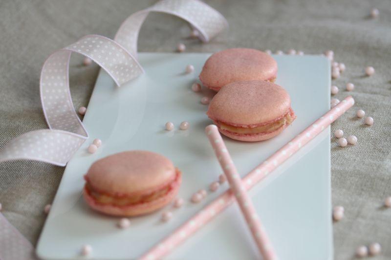 Macarons a la rhubarbe