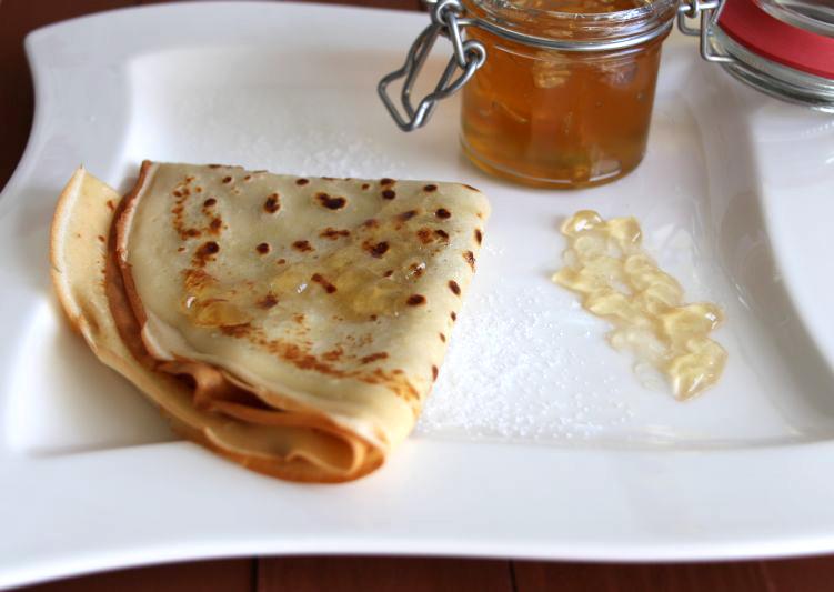 Crepes und Marmelade r