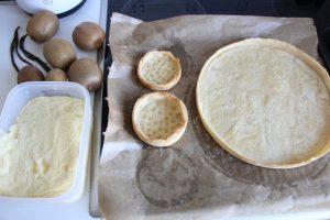Muerbeteig und Creme patissiere a la vanille