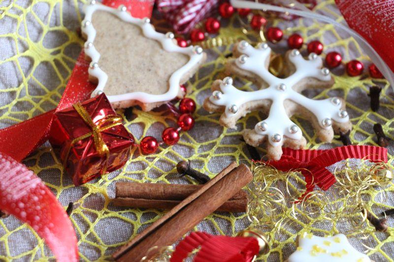 haselnuss-weihnachtsplaetzchen-mit-nelke-und-zimt