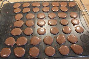 Macarons Schokoschalen